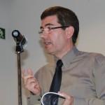 Villagrasa en la presentación del último libro de poesía d Ángel Juárez