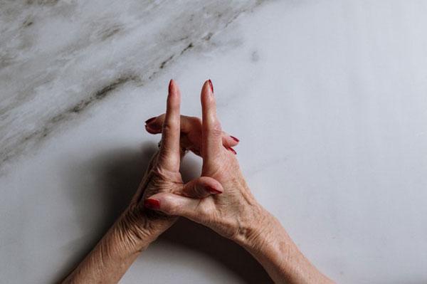 manos_mujer_mayor